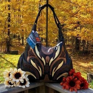 Handbags - Gorgeous Lambskin Leather Purse